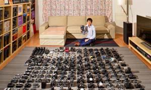 西安小伙收藏相机 几百台摆满客厅惊呆访客被称相机达人
