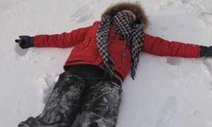 负气下车被冻身亡 女子深夜意外死于雪地家属难以置信