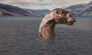 新疆喀纳斯湖惊现巨型食肉水怪 湖中波涛汹涌电闪雷鸣吓人