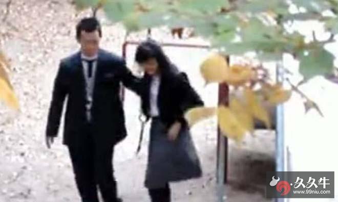 湖南裙子学生门秋千趁下课荡秋千时脱高中三思做爱不淫乱高中洛宁图片