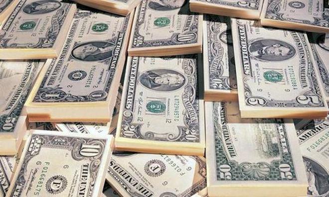 美元可谓麻烦不断       现货黄金也因美元下跌而获利