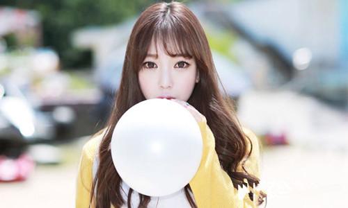 朴知贤是韩国的一名网络模特       一跃成为大众女神