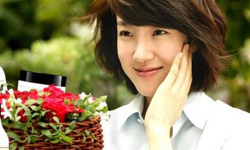 韩国知名女明星林秀晶       传言和男朋友rain已订婚