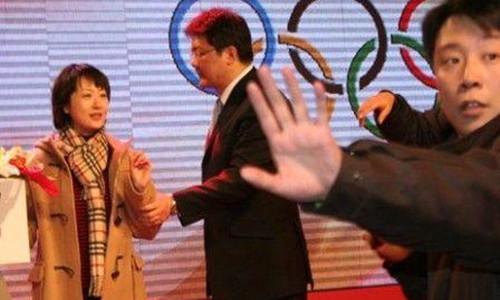 胡紫薇大闹央视        丈夫张斌是央视主持人