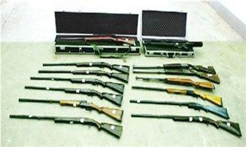 湖南一男子自制火药枪打死人      自制私藏枪支是否犯法?