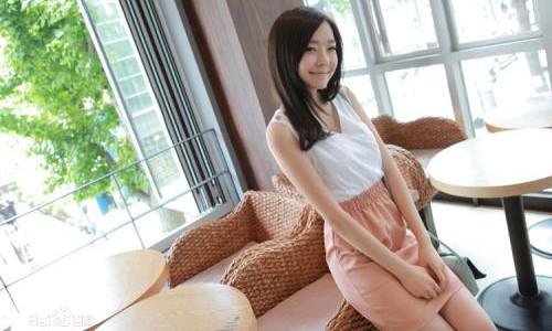 郑初美最近照片在网上曝光     依然清纯甜美让人喜欢