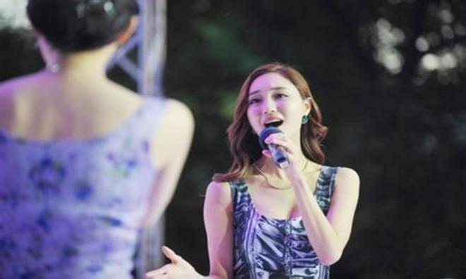 韩国选美小姐大赛季军金喜庆性贿赂     视频曝光引起热议