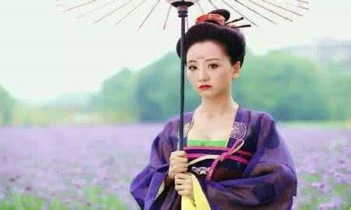 超模陈紫萱的大尺度靓照被曝光     是否又是靠此上位的人