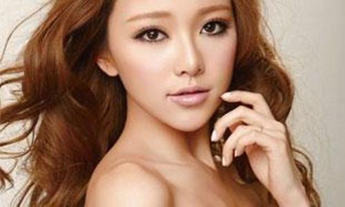黄一琳承认去整容割了双眼皮      但前后照片对比出卖了她