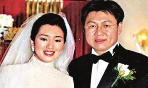 新加坡烟草大王黄和祥     他和巩俐是什么关系